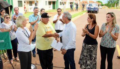 Prefeitura e Governo entregam as casas do Interlagos II em Navirai