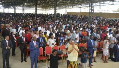 Angola proíbe pastores de pedir dinheiro em cultos e deve fechar mais de mil igrejas