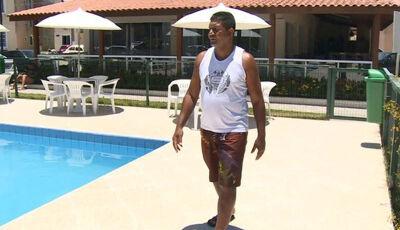 Porteiro ganha homenagem: salvou criança de 3 anos que caiu na piscina (VIDEO)