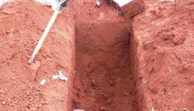 Corpo de mulher assassinada é furtado menos de 24h após o enterro em cidade do MS