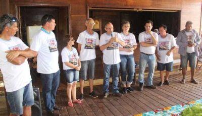 Ivinhema: Associação dos Rancheiros realizou plantio de árvores e recolheu lixos nas margens do rio