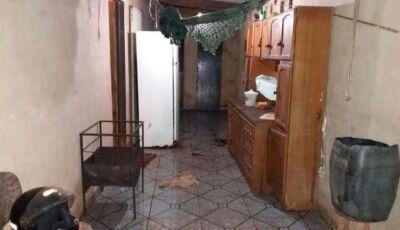 Artesão é encontrado morto dentro de banheiro de residência em Dourados