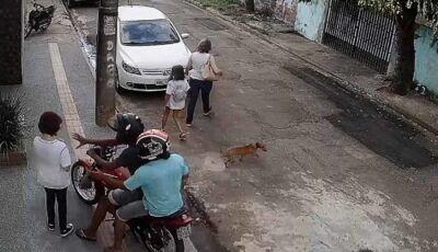 VÍDEO: criança é perseguida por assaltante quando voltava da escola na capital