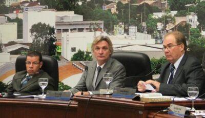Justiça autoriza desocupação do gabinete de Idenor e viagem de Longhi em Dourados
