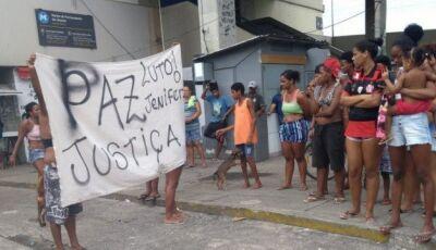 Menina de 11 anos é baleada e morta em Triagem; moradores protestam