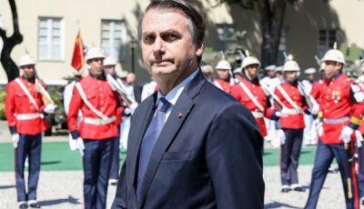 Só existe democracia e liberdade quando Forças Armadas querem, diz Bolsonaro