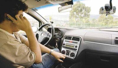 Motorista de aplicativo recebe chamada falsa e é assaltado por casal na Capital
