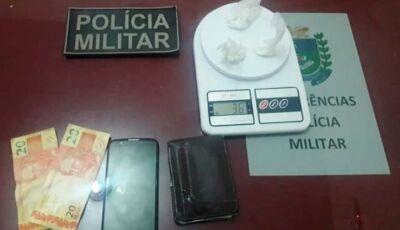 PM prende homem com cocaína nas partes intimas em Glória de Dourados