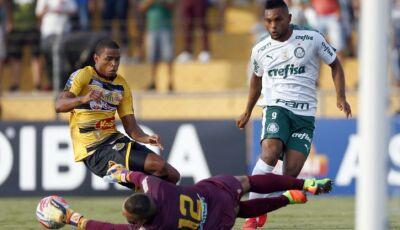 Com falha e 'milagre' de Prass, Palmeiras busca empate com gol de estreante