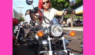 Motociclista de Nova Andradina prova que lugar de mulher é onde ela quiser