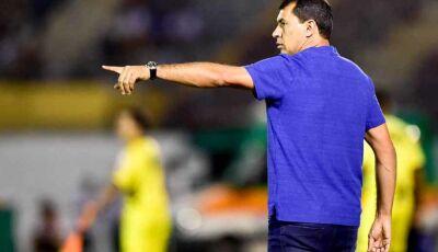 """Carille vê Corinthians abaixo: """"Fomos premiados com o empate"""""""