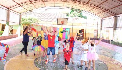Reino Folia fez a alegria da criançada em Fátima do Sul