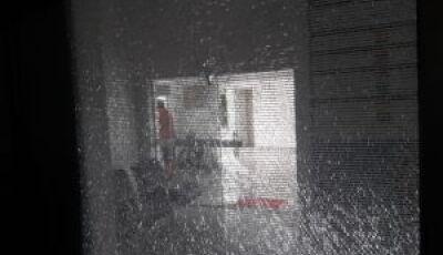 Armados com faca, indivíduos tentam invadir hospital em Glória de Dourados