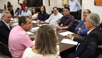 Reinaldo Azambuja estuda parcerias com 14 prefeitos da região Sul do MS