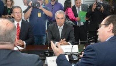 Governador quer aumentar número de vagas em presídios do Estado