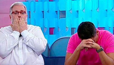 Após saída de membro do Fofocalizando, apresentadores vão às lágrimas ao vivo