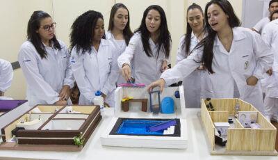 Calouros de Fisioterapia da UNIGRAN participam de aulas com metodologias ativas
