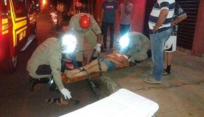 Dupla de moto foge após provocar acidente em cruzamento de Nova Andradina