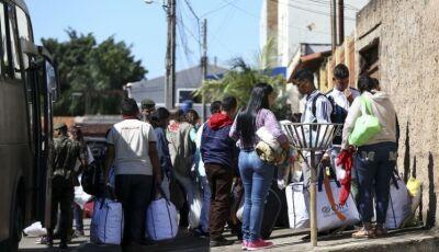 Venezuelanos chegam e comunidade pede ajuda nas redes sociais em Glória de Dourados
