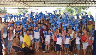 Prefeitura distribui mais de 800 ovos da páscoa a alunos da REME e programas sociais em Vicentina