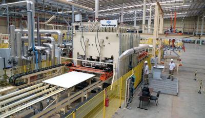 Com apoio do Governo do MS, Fábrica de MDF vai gerar 100 novos empregos diretos em Água Clara