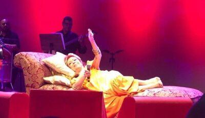 Internada, Beth Carvalho cancela show no Rio de Janeiro