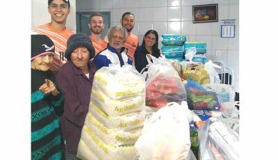 Projeto da Barca FC de Jateí beneficia com doações o Lar do Idoso de Fátima do Sul