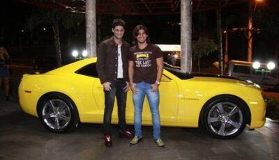 Munhoz e Mariano devem chegar de camaro amarelo e 'sacudir' a galera na Festa da Fogueira em Jateí