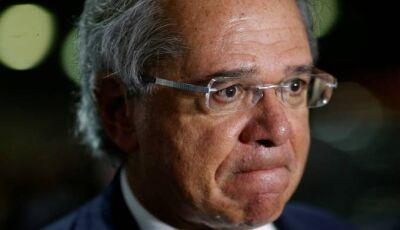 Sem crédito, pagamento do Bolsa Família para em setembro, diz Guedes
