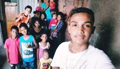 Mãe de seis adota sete irmãos para não separar a família