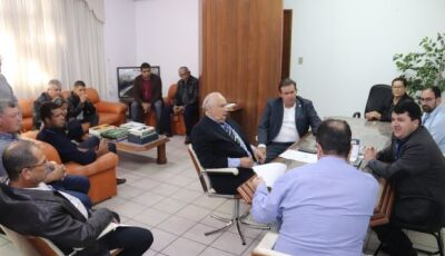 No Dnit, Eduardo Rocha, com vereadores e prefeito solicitam melhorias de sinalização para Vicentina
