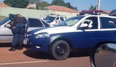 Motorista foge de abordagem e passageiro morre com tiro