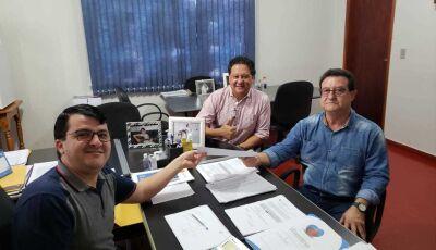 Prefeito Marquinhos do Dedé viabiliza mais um indústria para se instalar em Vicentina