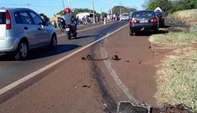 VICENTINA: Com impacto da batida, motor e ocupantes do veículo foram arremessados para fora