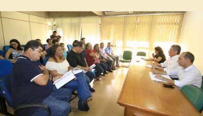 Reinaldo Azambuja sanciona prorrogação do abono até 31 de maio de 2020