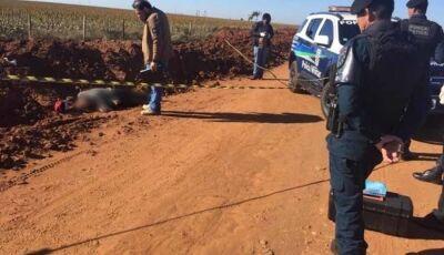 Mais morte na fronteira: homem é executado com 4 tiros em estrada