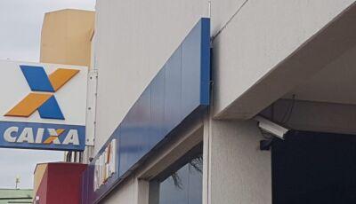 Ladrões rendem funcionários da Caixa em Campo Grande e levam R$ 230 mil