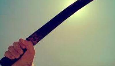 Em Jateí, homem atinge com facão a cabeça de uma mulher durante briga