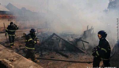 Mãe e filha ficam feridas e tem casa destruída em incêndio na capital