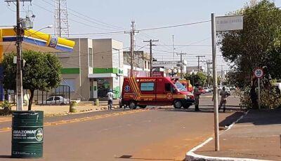 Caminhão com altura não permitido entra na Avenida e derruba poste em Fátima do Sul