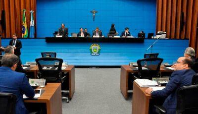 Governo sanciona lei que concede 20 dias de licença-paternidade para servidores da Assembleia