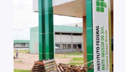 IFMS abre processo seletivo com salários de até R$ 6 mil