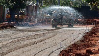 Luta contra poeira e barro chega ao fim, moradores celebram qualidade de vida com chegada do asfalto
