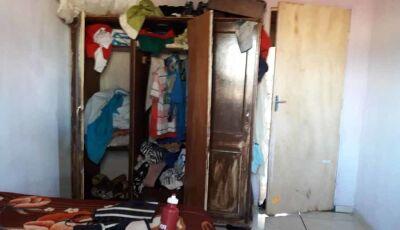 Mãe esconde a própria filha no guarda-roupas para evitar a prisão do marido por estupro