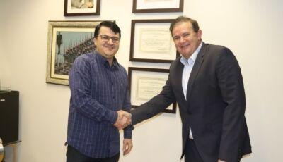 Prefeito visita deputado Eduardo Rocha e ambulância UTI Móvel é possibilidade para Vicentina
