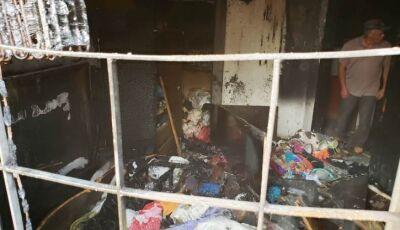 DEODÁPOLIS: Carregador de celular na tomada pode ter causado incêndio