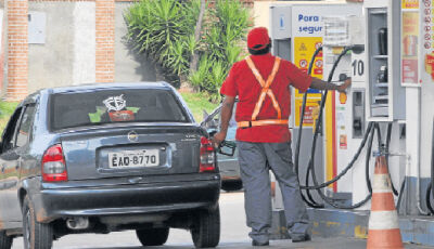 Sinpetro diz que não haverá reajuste imediato no preço dos combustíveis