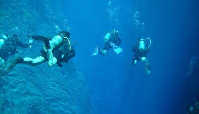 Caio Paduan e Cris Dias durante mergulho com cilindro no Rio da Prata e Lagoa Misteriosa, Assista