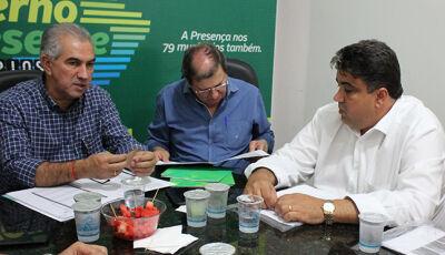 Prefeito de Camapuã pede reforma de ginásio e abatedouro municipal