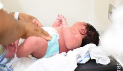 Bebê de 5,5 kg nasce em maternidade na fronteira:'Médico disse que ia ser grande, mas, não tanto'